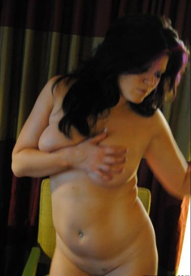 Hinchee recommends Model brunette giving blow job photos
