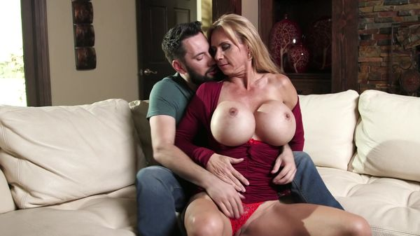 Geoffrey recommends Jada stevens and sheena shaw