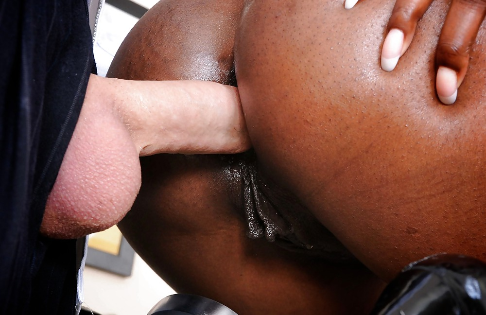 Gaylord recommends Wife knees amateur cum in mouth