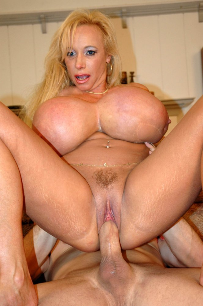 Olevia recommends Strange male servicing sexually woman orgasm