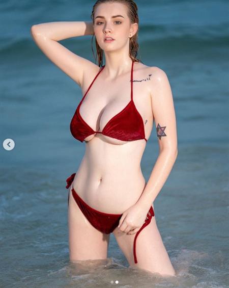 Mcdermott recommends Cecilia sarkozy carla bruni bikini photos