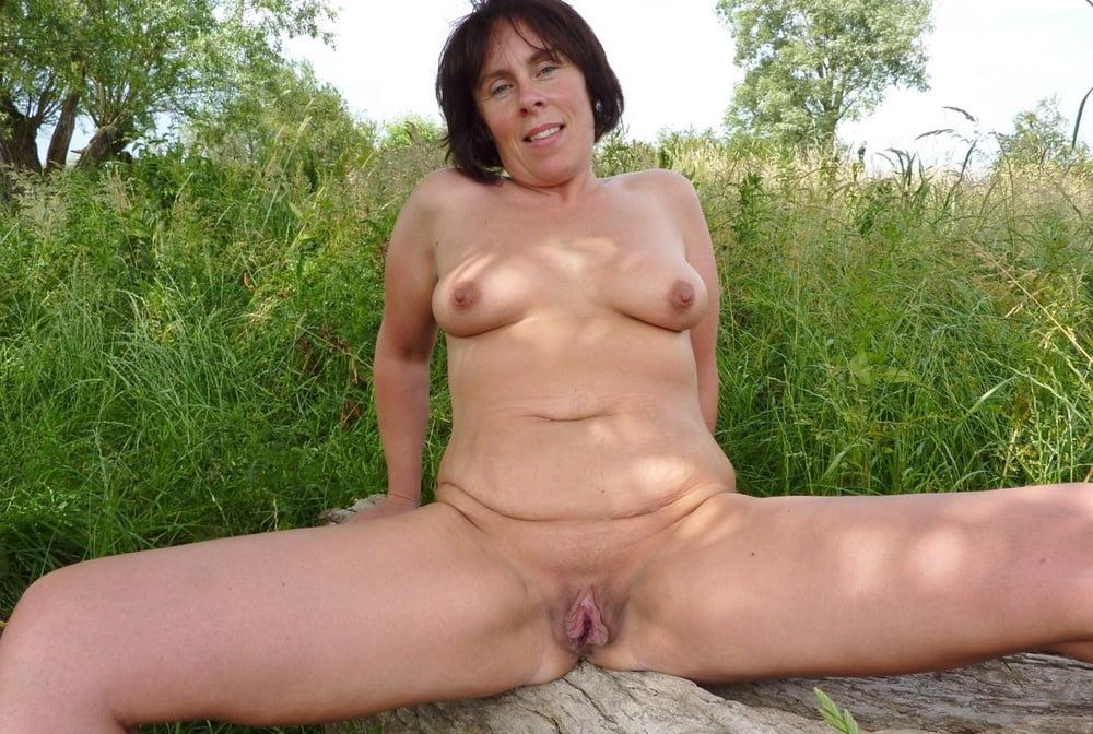 Ruka recommend Actress stephanie courtney naked